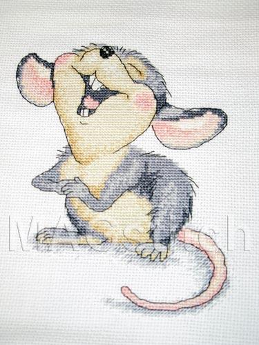Вышивка крестом Поющая мышка