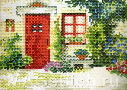 Little house with red door