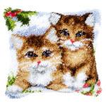 """Набор для вышивки крестом Подушка """"Снежные кошки"""" ковровая техника"""