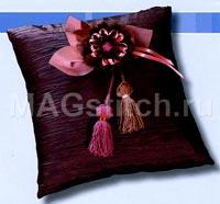 Цветы из ниток для диванной подушки